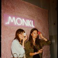 Czas na #monkistyle! Świętujemy otwarcie pierwszych sklepów Monki w Polsce